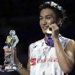 桃田賢斗が違法賭博の出場停止処分から復帰し1年で276位を駆け上がり世界選手権優勝!世界ランク3位の中国石宇奇を49分ストレートで圧倒。ヘアピンキレキレ。