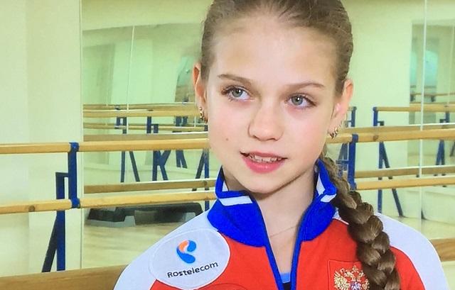 史上初!トゥルソワ選手が公認大会で4回転ルッツを決めた!シェルバコワ選手への対抗心か!?黄金時代のロシアの女子フィギュア選手は美しいけど気も強いぞ!
